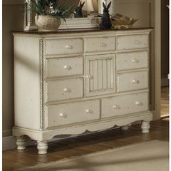 Buy Hillsdale Wilshire Mule Chest on sale online